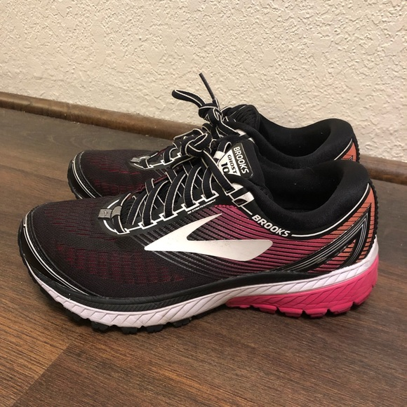 Brooks Shoes | Brooks Ghost Size 75w
